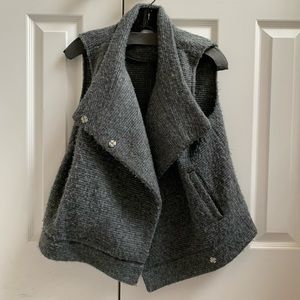 BB Dakota Grey Vest